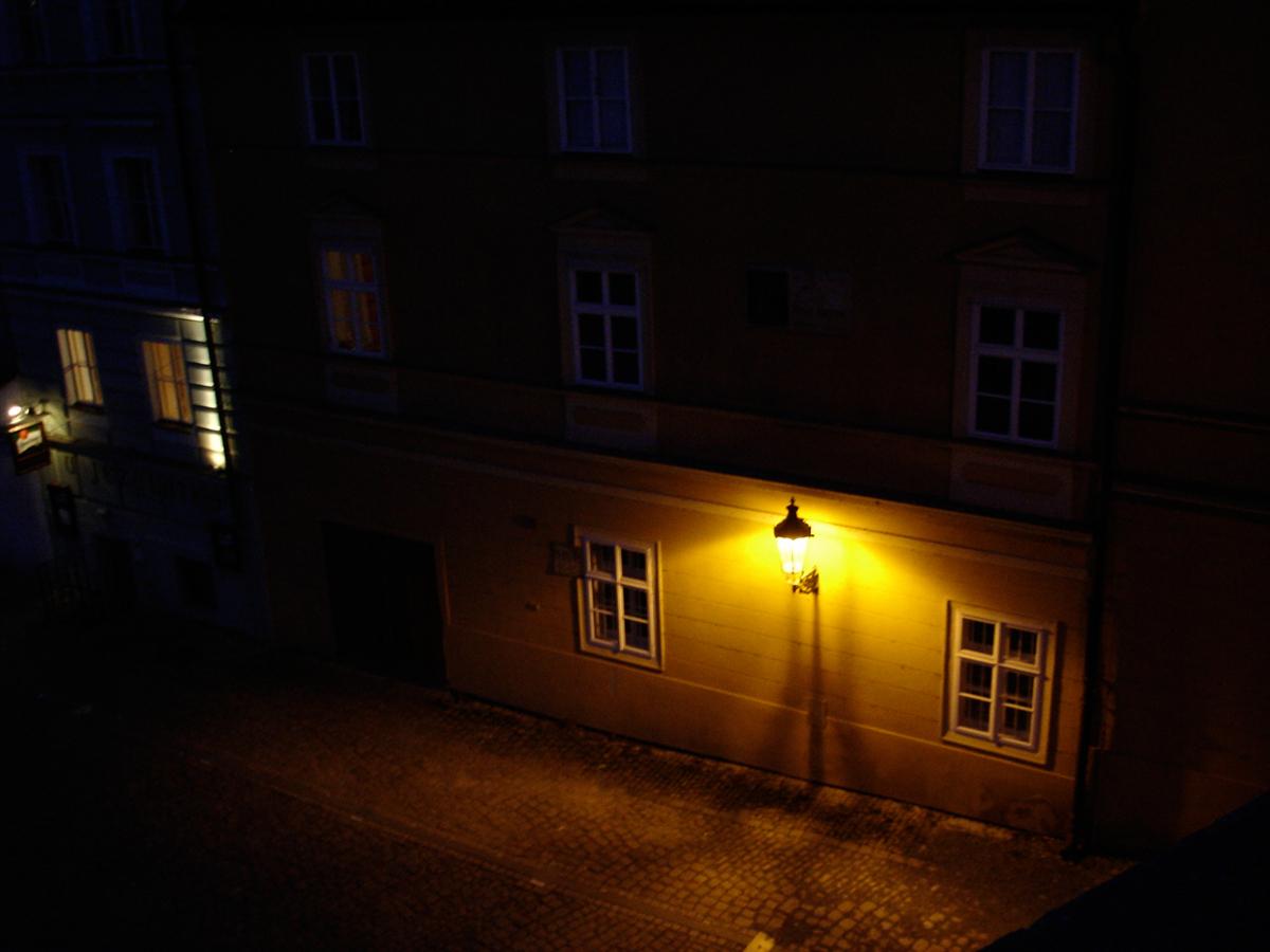プラハの夜道