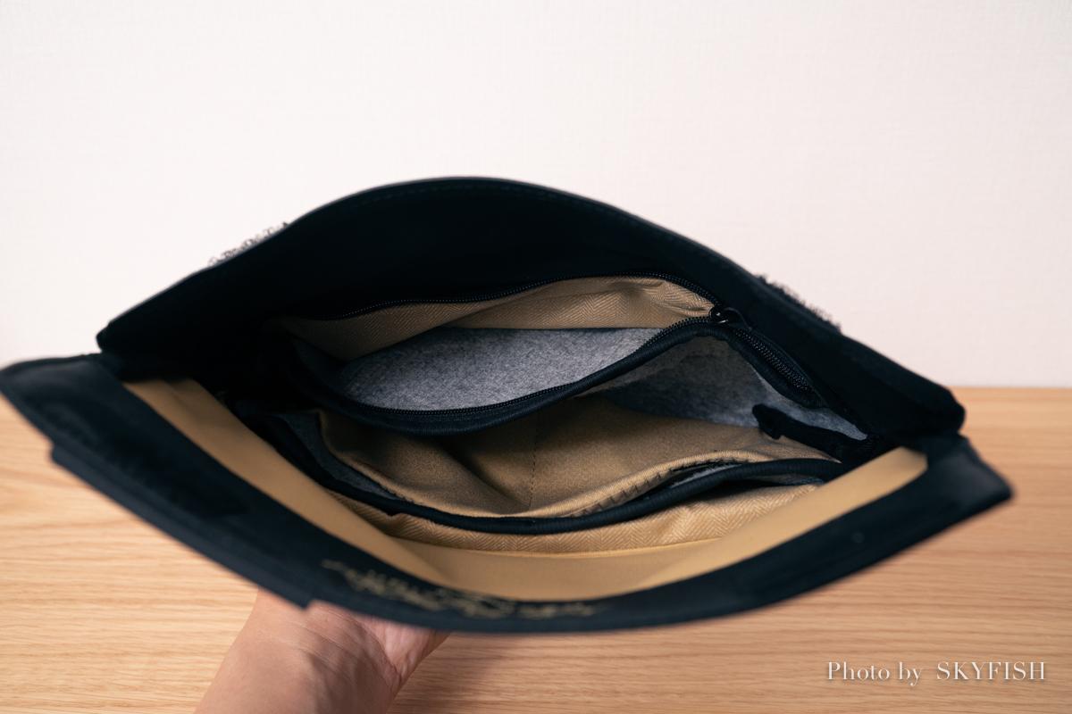 フィールドポーチの内部ポケット