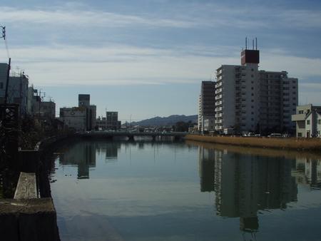 巴川(新清水駅近くより下流側)