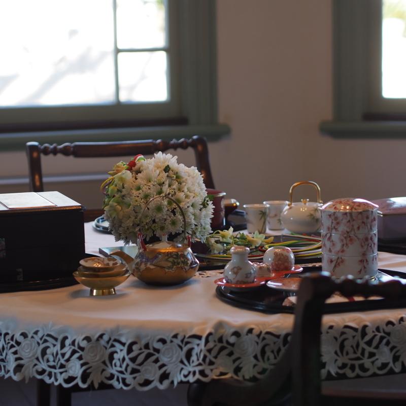 ブラフ18番館のテーブルセット