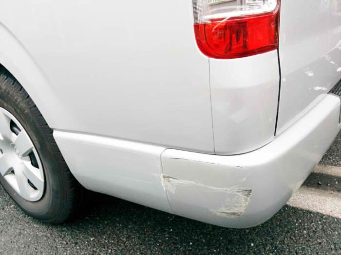 車のひっかき傷(キズ)を素人が自分で綺麗にDIY修理する3つのコツ