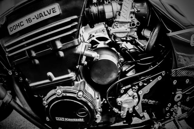 【バイク】エンジンの仕組み、原理をサルでもわかる程簡単に説明する