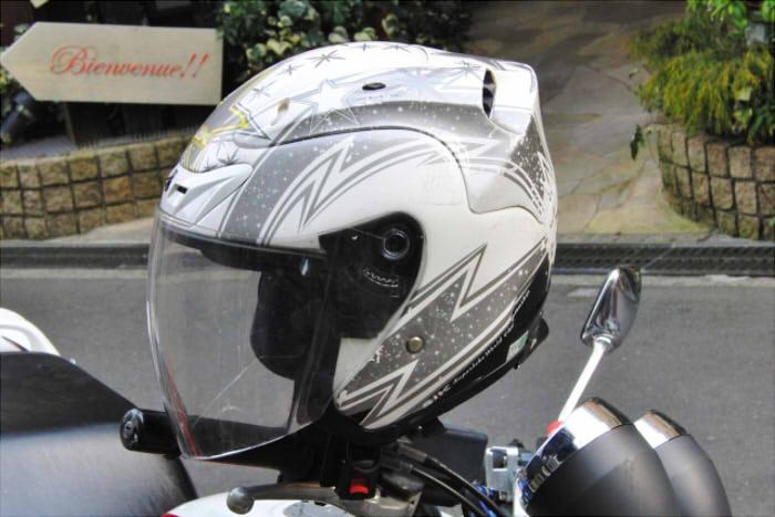 【バイクヘルメット】シールドなしにはもう戻れない。快適すぎる理由