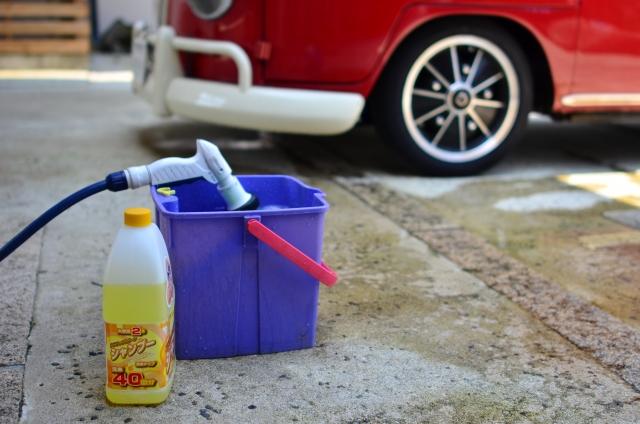 【バイク洗車完全ガイド】意外と知らない注意点|水かけてもいいの?