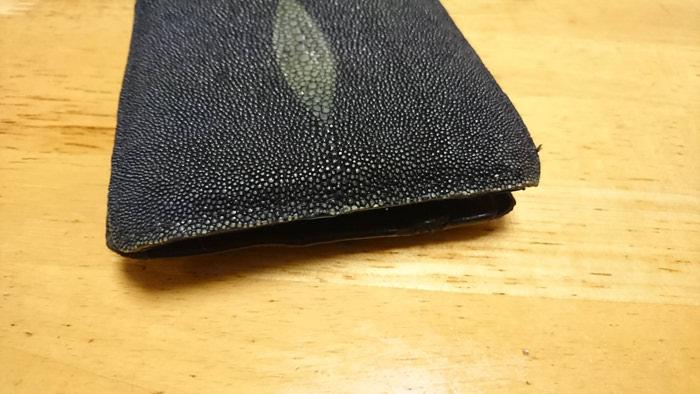 エイ革財布の経年劣化はこんな感じ!10年以上使用した結果 耐久性すごすぎ