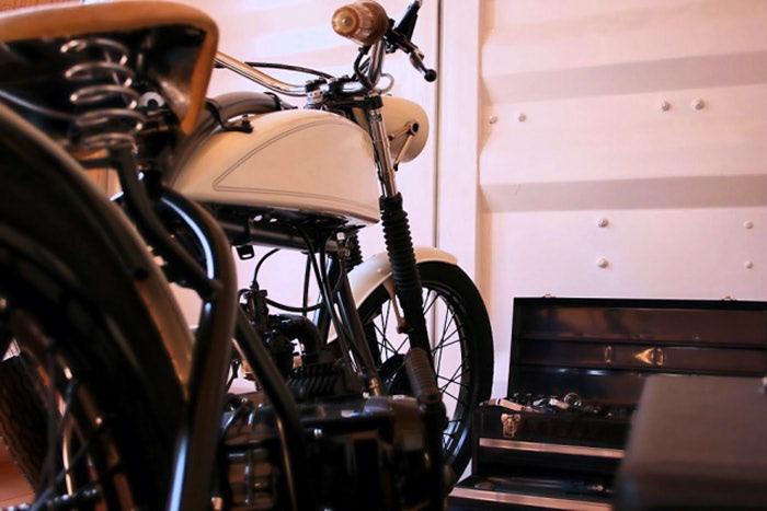 自分でバイクカスタムする人減ったよね。グリップ交換も店に頼むらしい