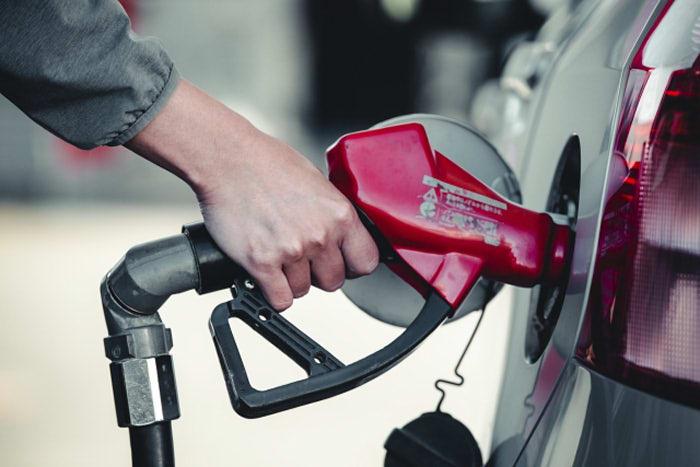 レギュラーとハイオクの違い|ガソリンを間違えるとエンジンぶっ壊れる