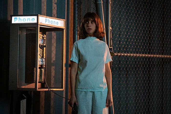 ネタバレ感想【ホースガール】Netflix|ラスト・オチの解釈すべては夢か現実か