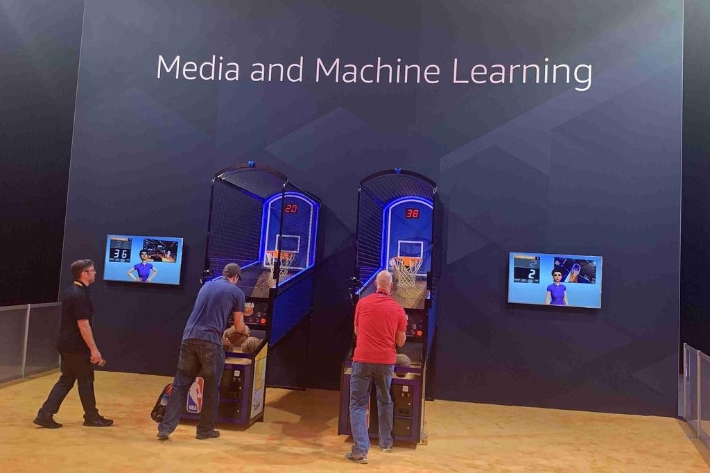 Machine Learningを使用し得点チェックなどを行なっているようです