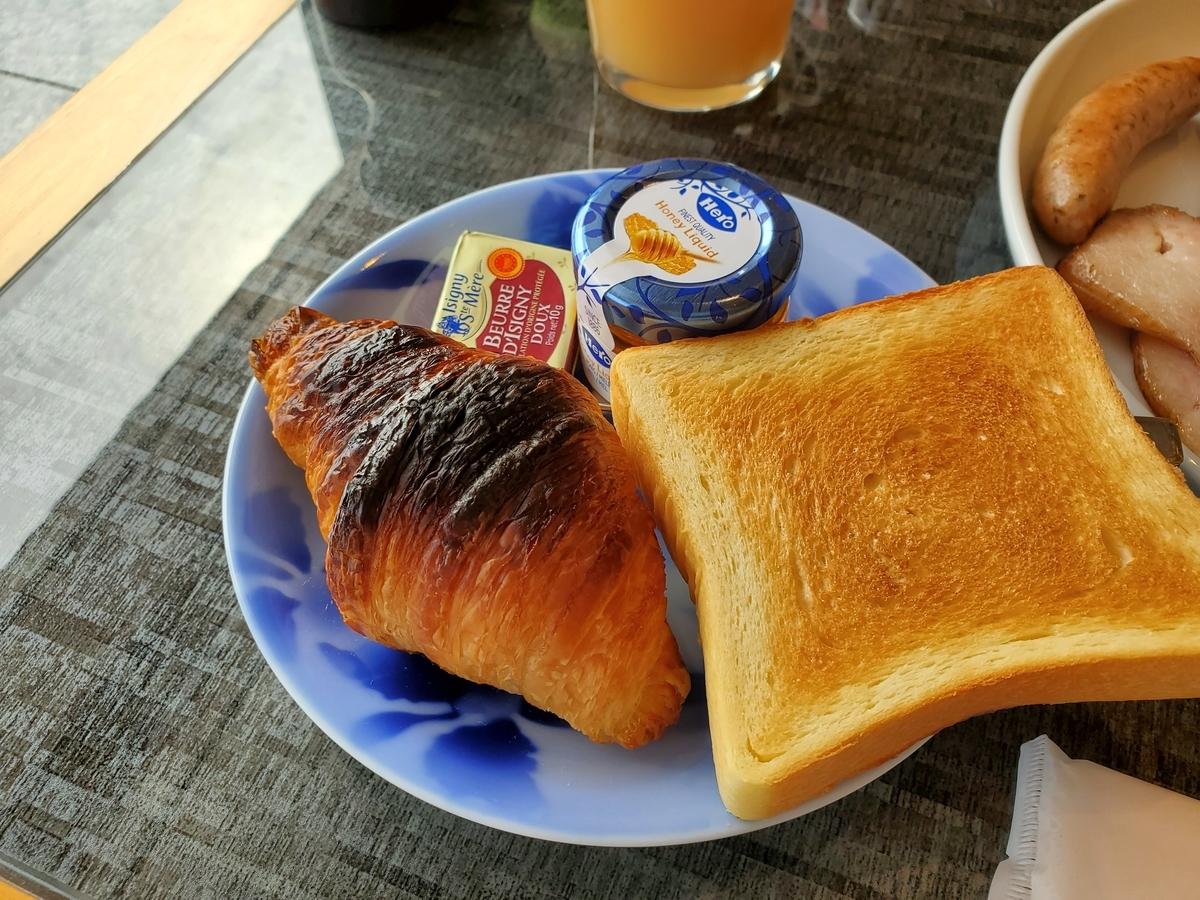 the-capitol-hotel-tokyu_Club-Lounge_breakfast