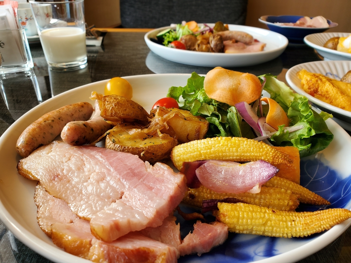 the-capitol-hotel-tokyu_Club-Lounge_breakfast