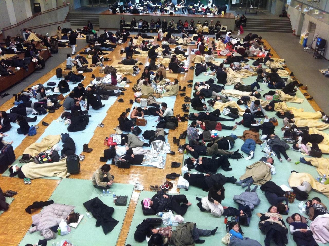 2011/3/12 0:01 大学ホール
