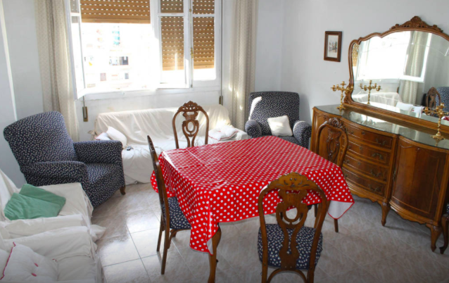 Airbnbの宿リビングの様子