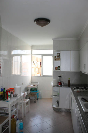 Airbnbの宿キッチンの様子