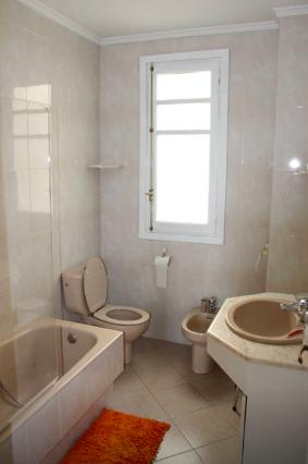 Airbnbの宿バストイレの様子