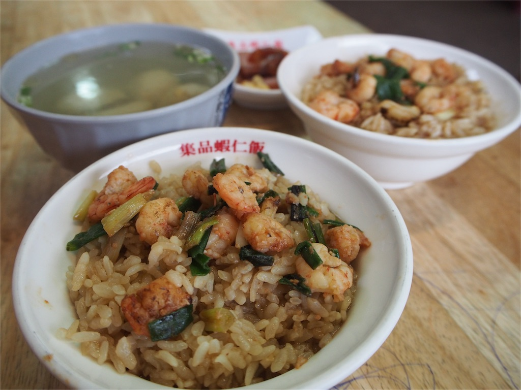 えび飯+ソーセージとスープをオーダー