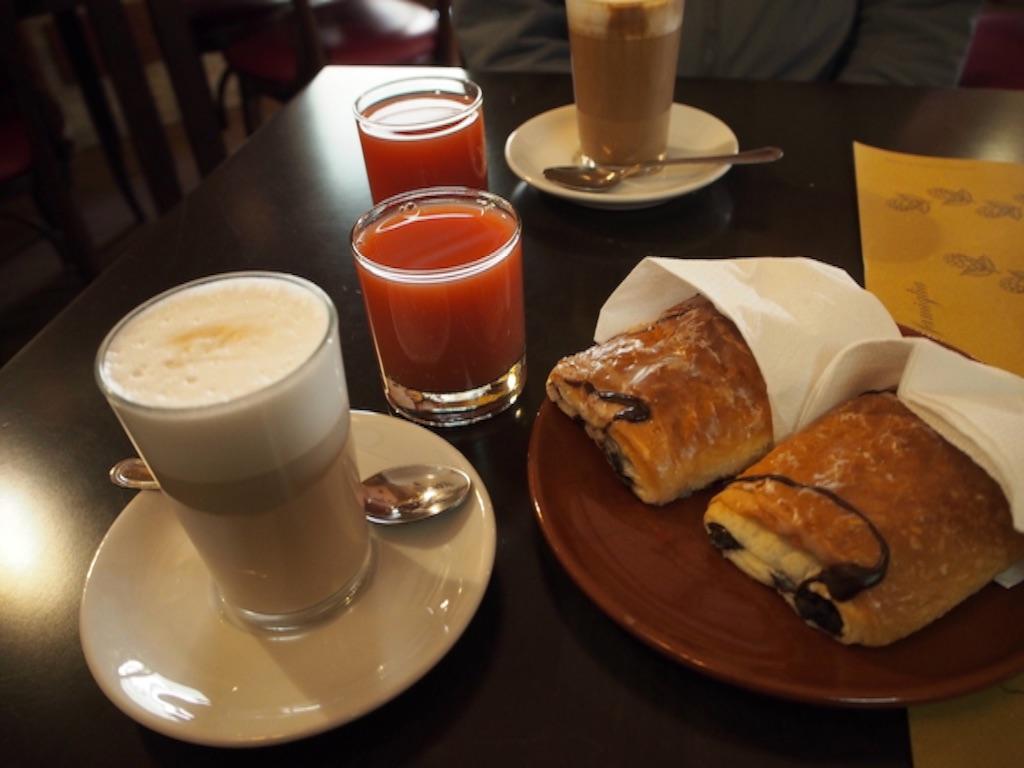 ローマ パブ 朝食