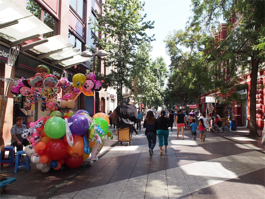 街中でかわいい風船見つけた