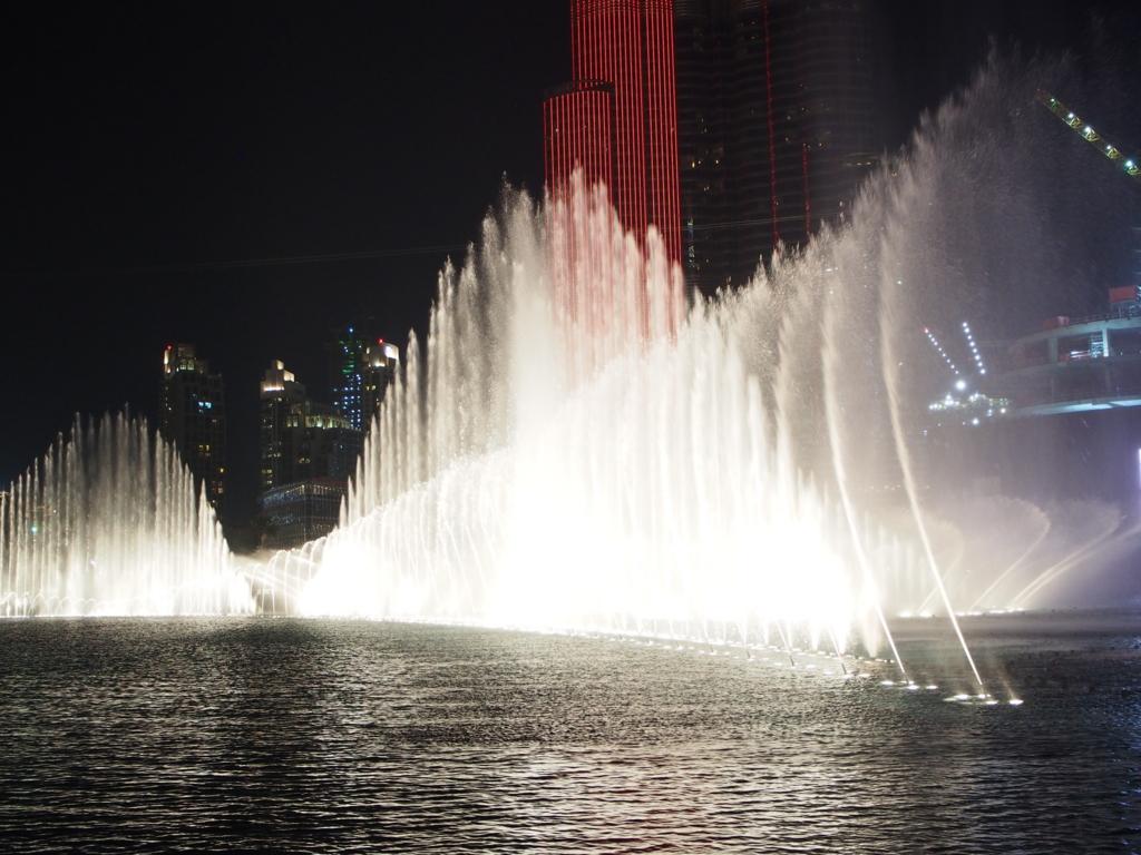 毎晩開催される噴水ショー