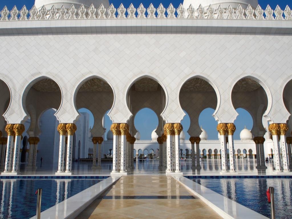 アブダビ シェイクザイードグランドモスクの綺麗な支柱