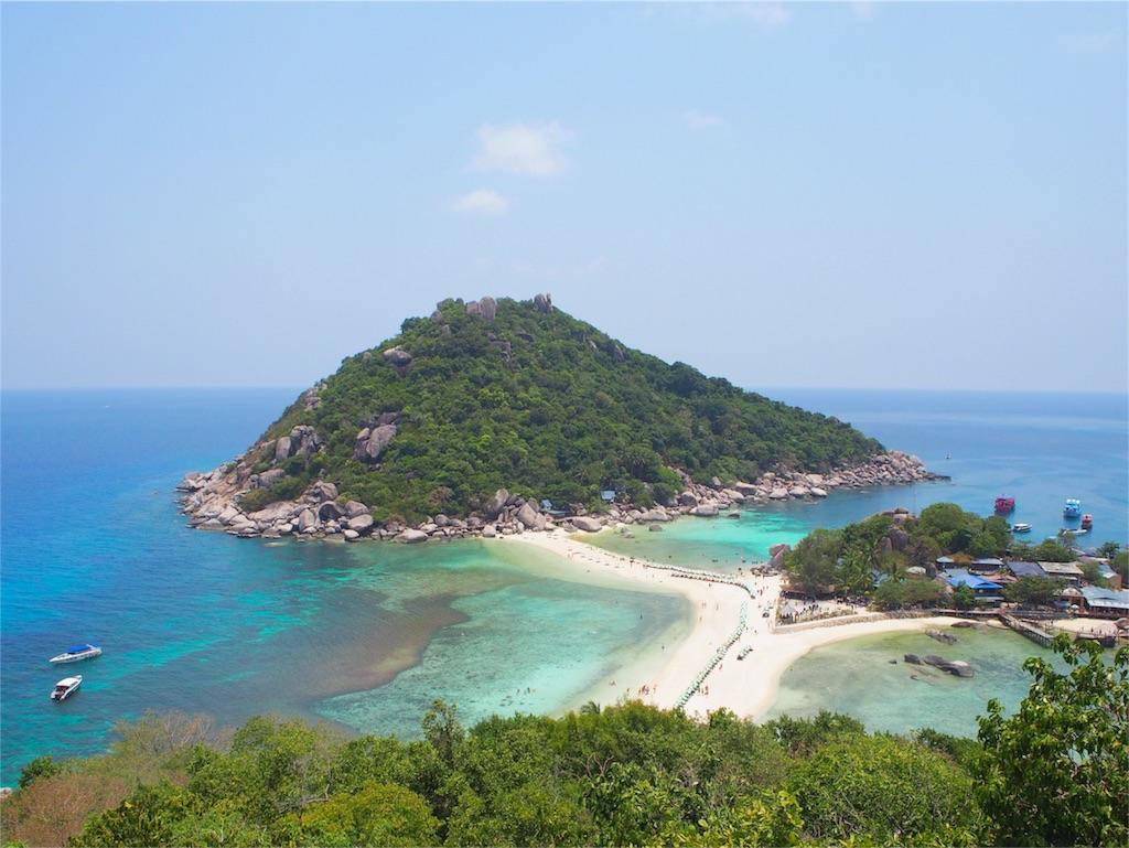 まるで楽園のような景色のナンユアン島