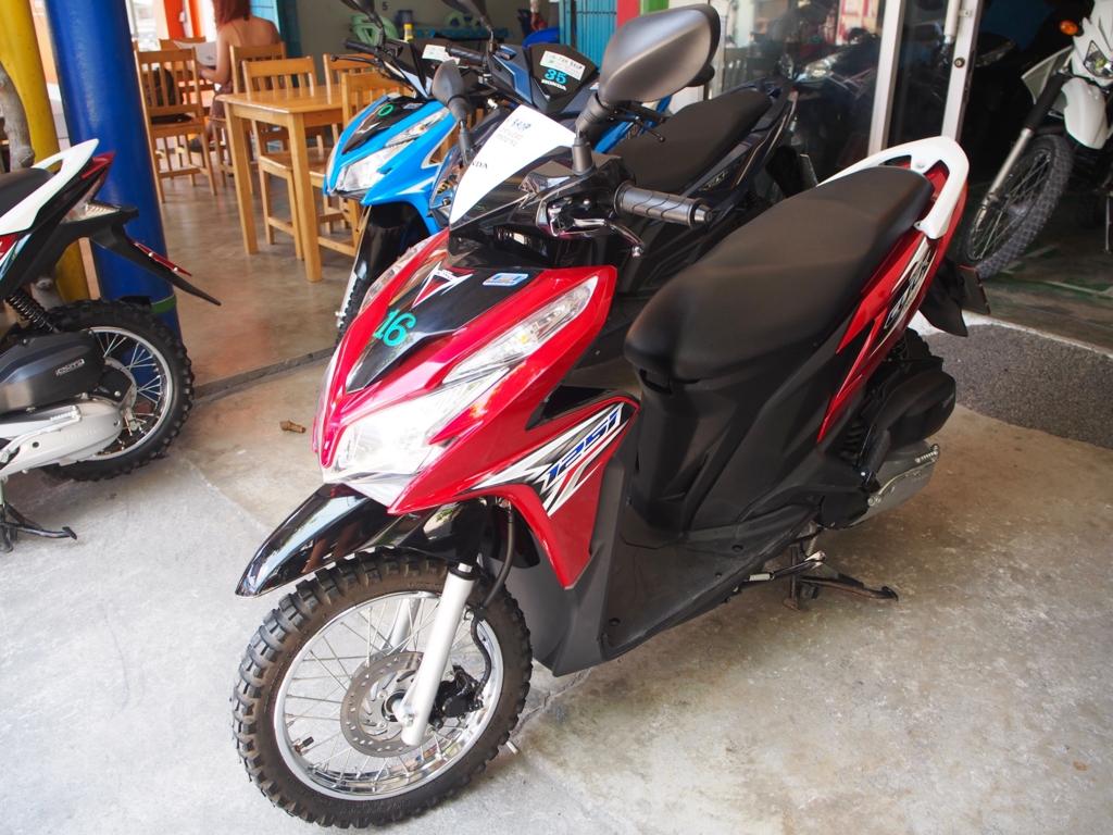 タオ島ではレンタルバイクが大活躍