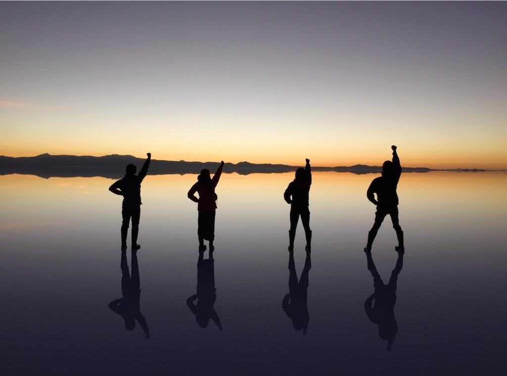 ウユニ塩湖の夜明け ワンピース風