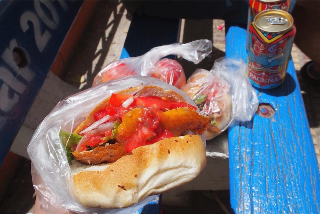 ウユニの町でよく食べたハンバーガー