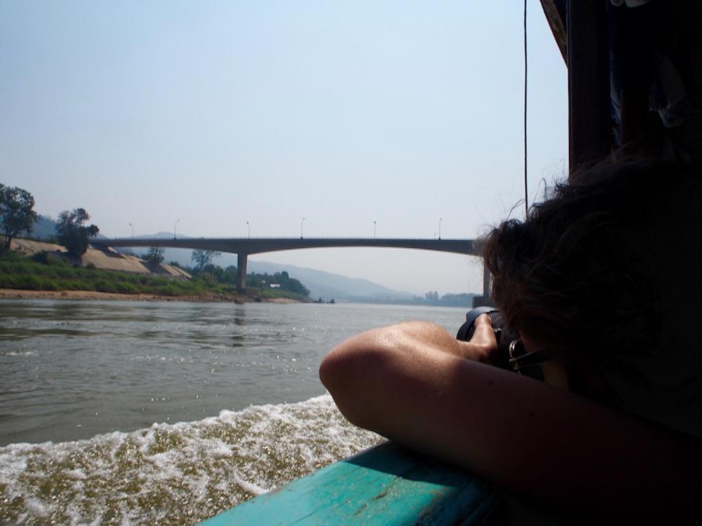 タイ-ラオス間をつなぐ第4友好橋