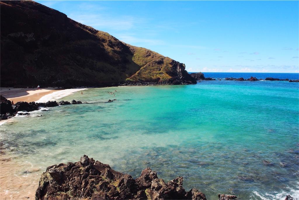 白い砂浜が綺麗なオバへビーチ