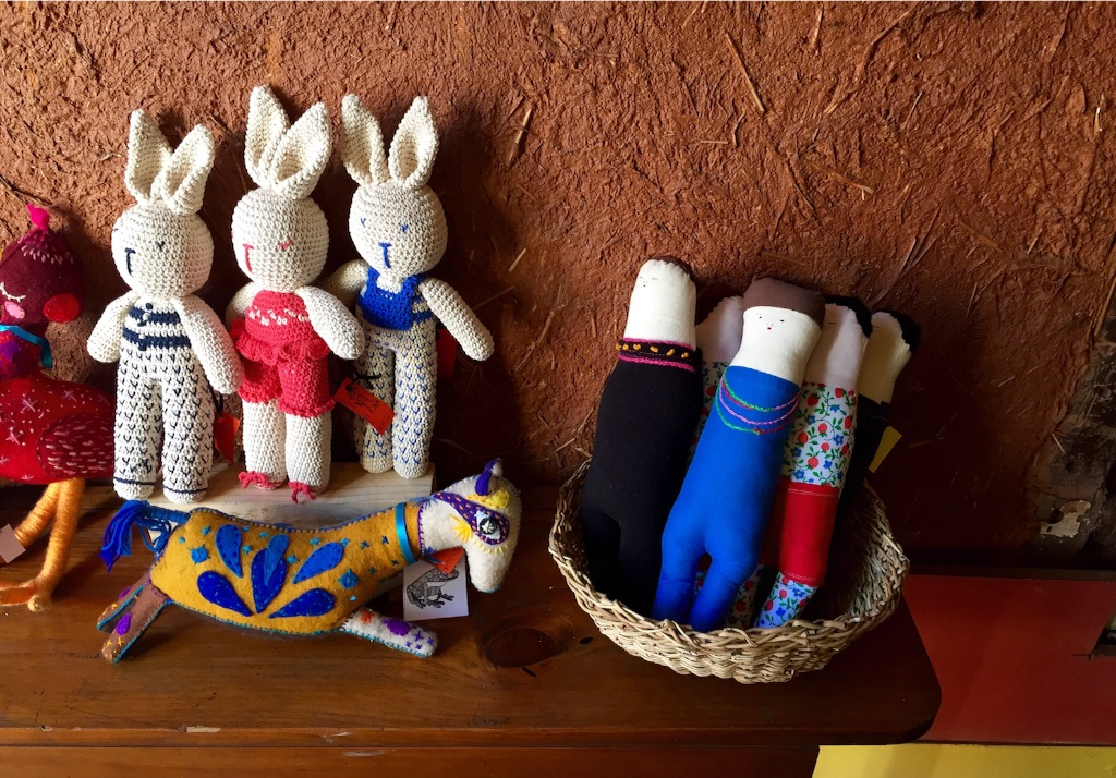 バルパライソで売っているゆるキャラ人形