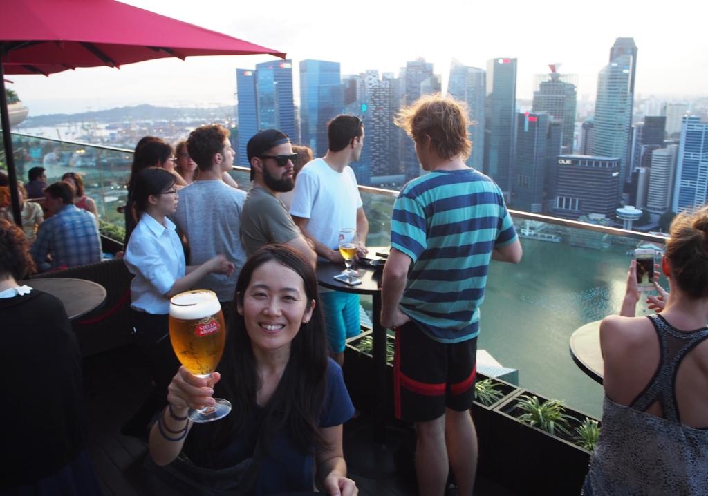 席が空くまで のんびりビールを楽しむことに