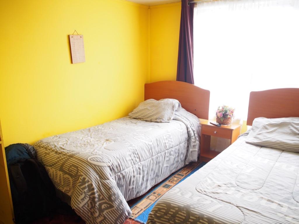 プエルトナタレスの宿のツインルーム