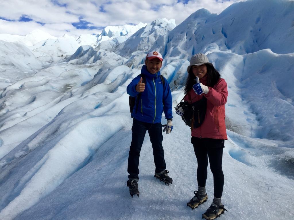 パタゴニア 氷河の上で記念撮影