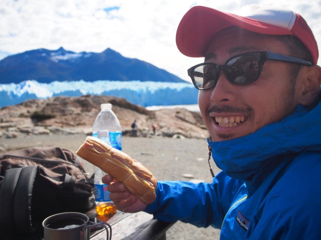 氷河をみながらの昼食