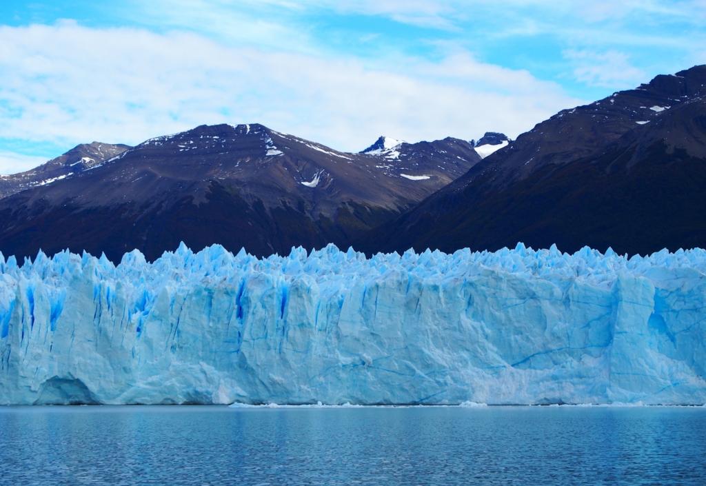 青いペリトモレノ氷河