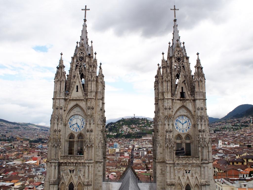 バシリカ教会の尖塔からの眺め