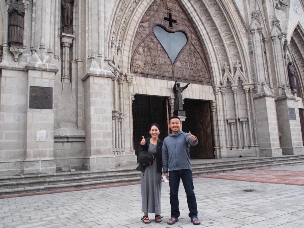バシリカ教会の前でツーショット♡