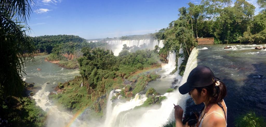世界三大瀑布イグアスの滝にて