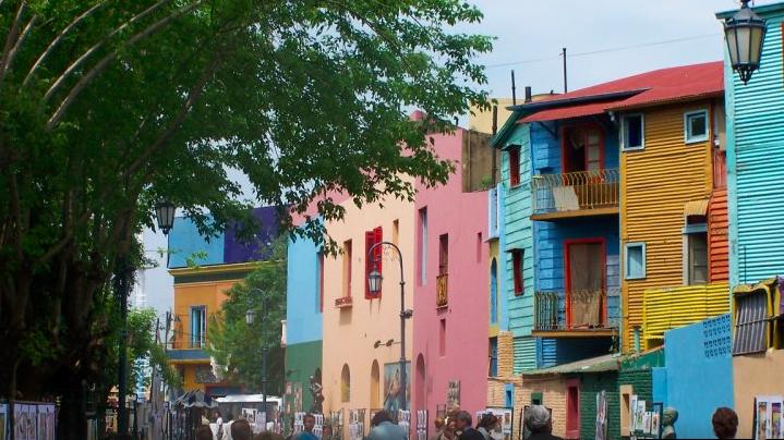 ブエノスアイレス カミニート 色鮮やかな街並み