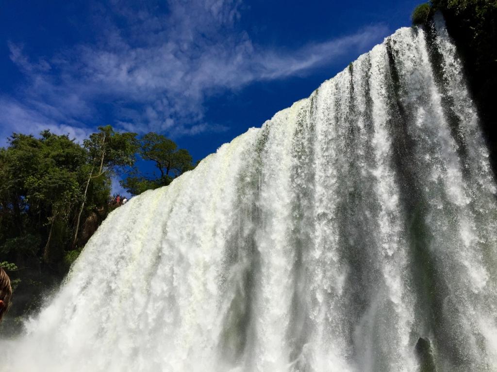 イグアスの滝 下からの眺め