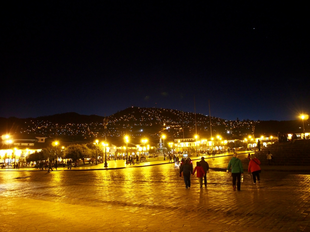 ペルー クスコの夜景 Plaza de Armas