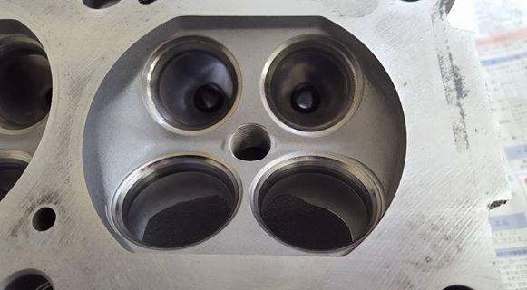 RB26エンジンオーバーホール_シリンダーヘッドの点検