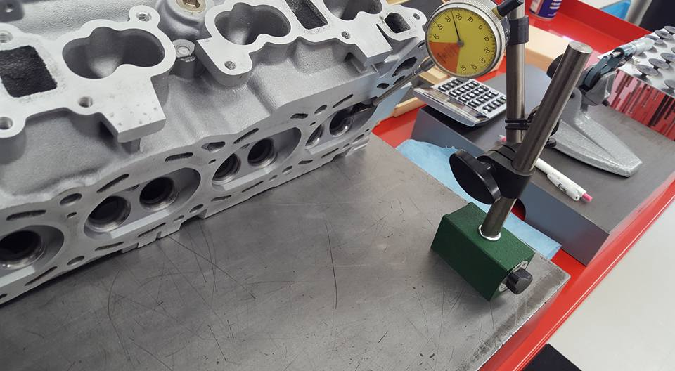 RB26のエンジンオーバーホールシリンダーヘッド04