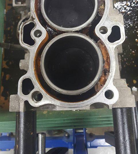 RB26エンジンオーバーホール_アルミブロックの錆取り