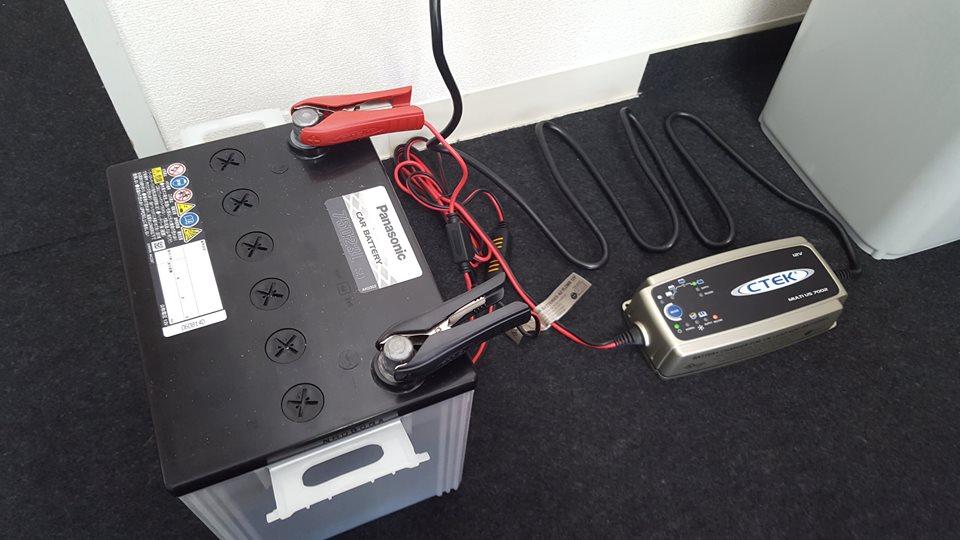 CTEK_バッテリーの充電開始