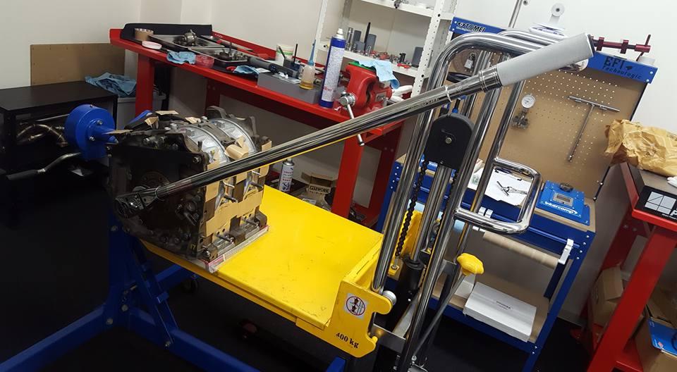 13Bロータリーエンジン組み付け_トルクレンチ