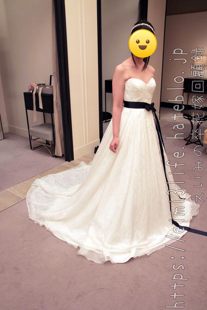 2階の国産ブランドドレス