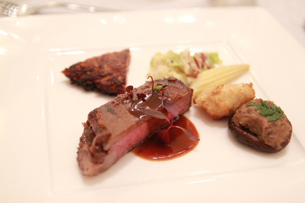 「アニバーサリーレストラン」料理