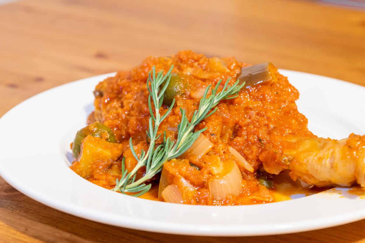 カチャトーラ トマト煮込み 鶏肉 ローズマリー
